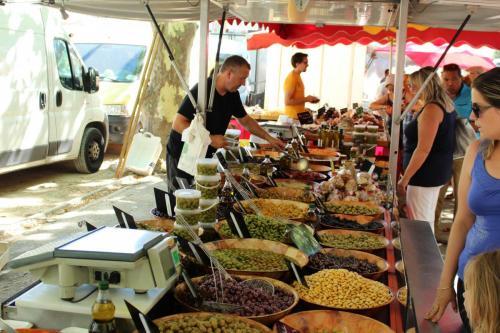Markt Saint Chinian